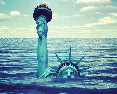 statue-of-liberty-is-drowning-c